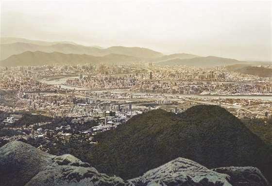 爬中国台湾台北群山 周政纬描绘家乡味